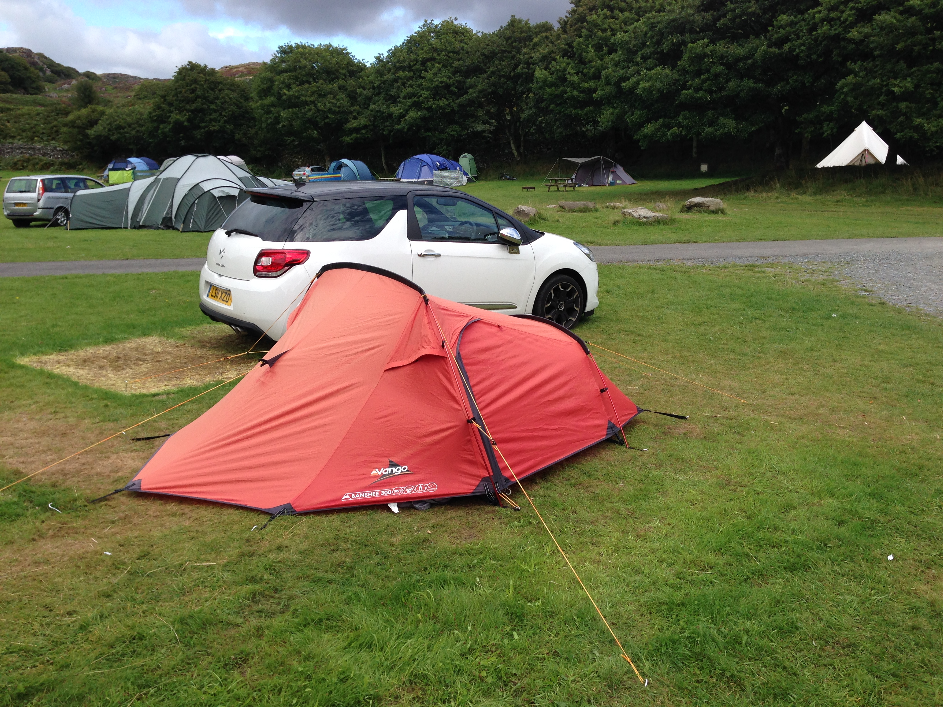 Dinas Camping - náš stan a auto
